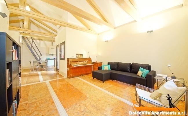 Appartamento venezia vista canale con 2 camere da letto for Appartamento con 2 camere da letto