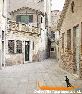 Moderno monolocale a venezia per vacanze appartamenti a for Monolocale a venezia