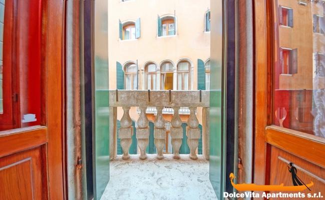 Appartamento a venezia con 3 camere da letto san marco for Appartamento con 3 camere da letto nel seminterrato