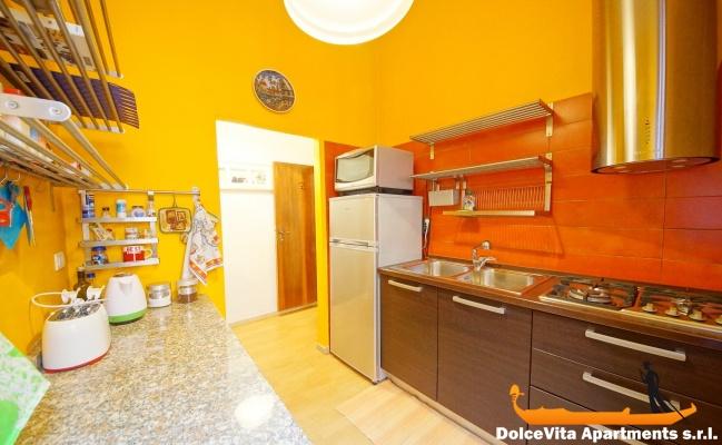 Appartamento a venezia con 3 camere da letto san marco for Appartamento con 3 camere da letto