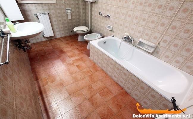 Appartamento venezia per vacanze con 3 camere da letto for Appartamento con 3 camere da letto nel seminterrato