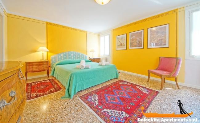 Appartamento a venezia arsenale con 2 camere da letto for Appartamento con 2 camere da letto