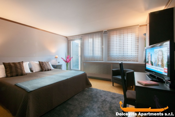 Moderno appartamento vacanze a venezia per 6 persone for Immagini appartamenti moderni