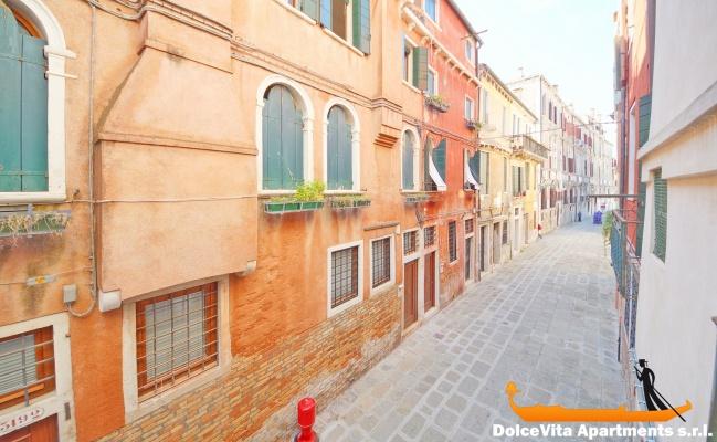 Appartamento economico venezia san marco appartamenti a for Soggiorno a venezia economico