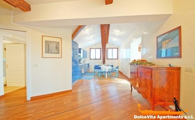 Attico a venezia in affitto per vacanze appartamenti a for Appartamenti barcellona 20 euro a notte