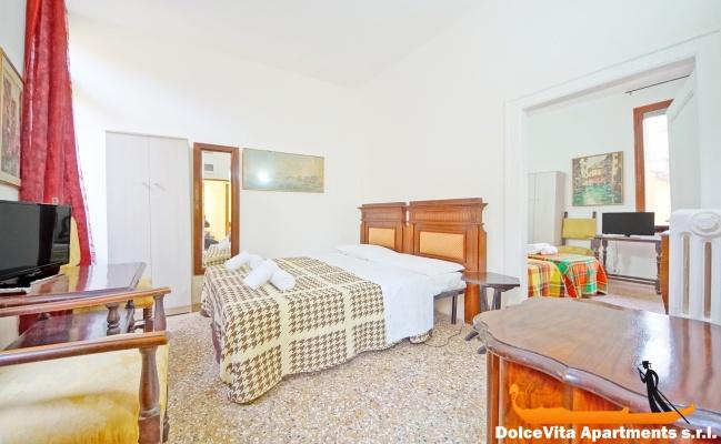 Appartamento vacanze venezia san polo per 8 persone for Appartamento amsterdam 8 persone
