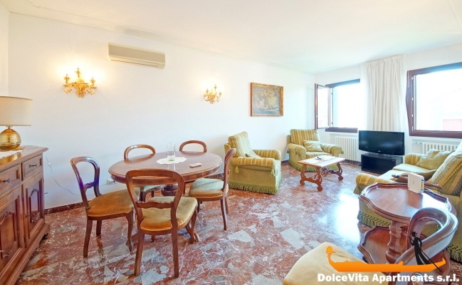 Appartamento a venezia con giardino con 3 camere da letto for Capanna con 3 camere da letto