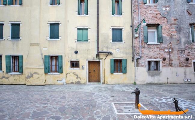 Appartamento vacanze a venezia centro con 3 camere da for Appartamento con 3 camere da letto nel seminterrato